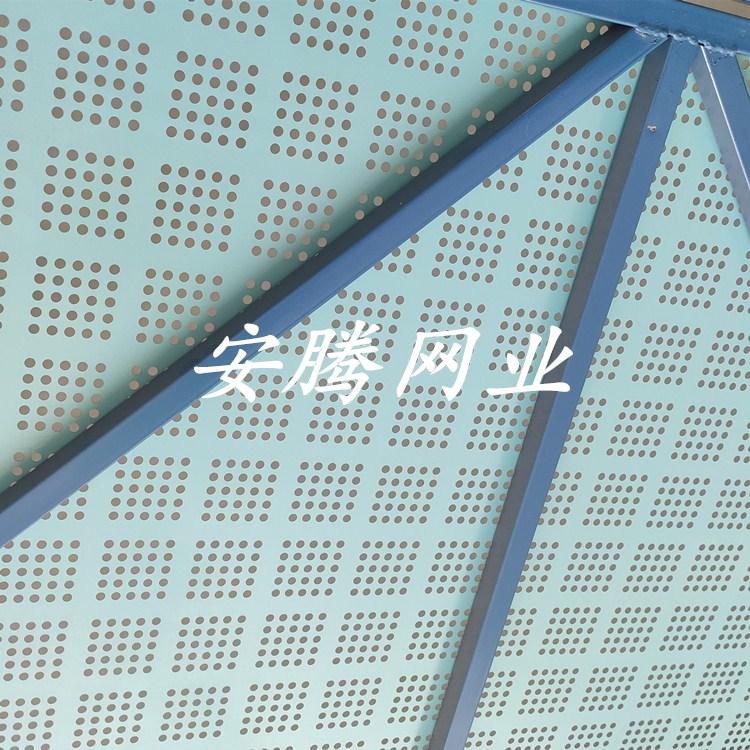 现货供应爬架网 建筑安全爬架网 施工安全围挡产品图片高清大图,本图片由安平县安腾五金丝网制品有限公司提供。